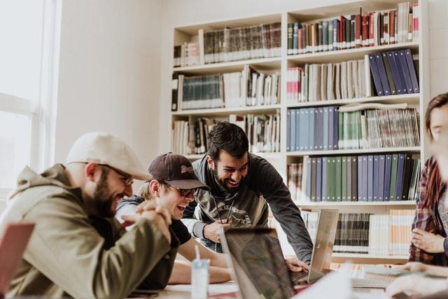 Faire comprendre et adhérer un client à sa démarche créative